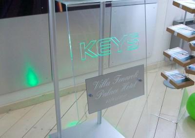 banchetto plexiglass keys