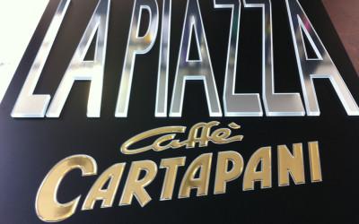 la piazza cartapani
