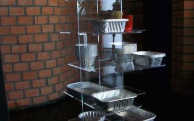 porta oggetti a mensole in plexiglass
