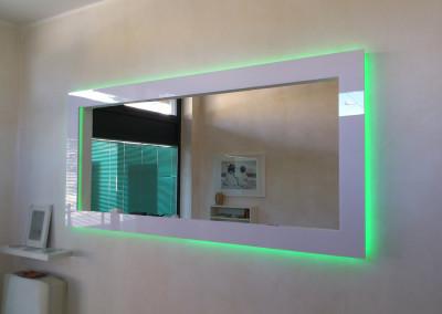 specchio plexiglass retro illuminato