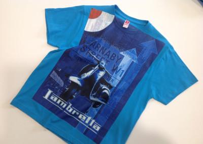abbigliamento-t-shirt-azzurra1