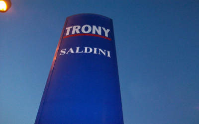 ins.-trony